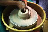 Summer sessions from 9 August - 6 SeptemberThrowing and sculpting and hand building for all abilities. Either work on projects from the tutor or go your own way.Tutor: Fay PrevotThis workshop must be pre-booked and will only run when it is full. Price is £30 per 5 week block.